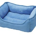 [ゴールデン子犬に初めてのベッド]リバーシブルで通年使用可なベッドを選びました。