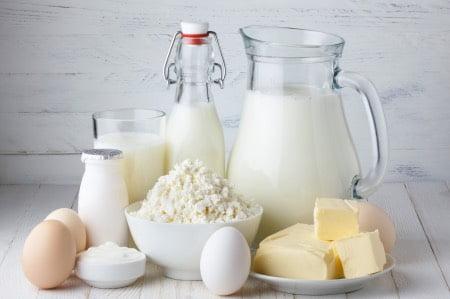 牛乳とヨーグルトチーズの乳糖