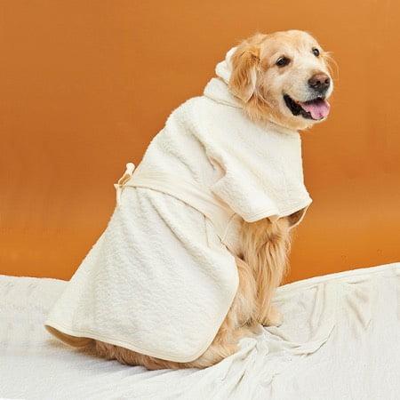 オーガニックコットンの大型犬用バスローブ