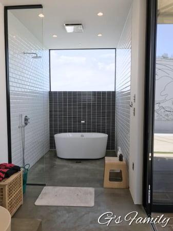 THE CHIKURA UMI BASECAMPのお風呂場